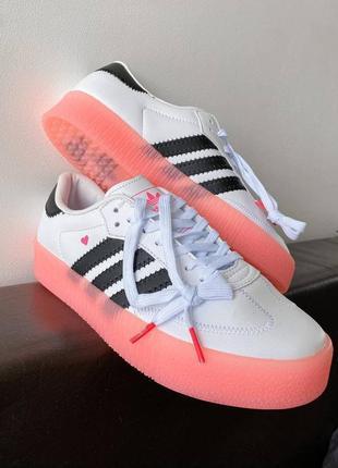 Женские кроссовки adidas sambarose белые с розовой подошвой