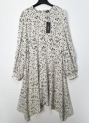 Легкое свободное асимметричное платье