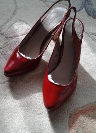 Туфли новые carnaby (england) натуральная кожа -лак. размер 39.