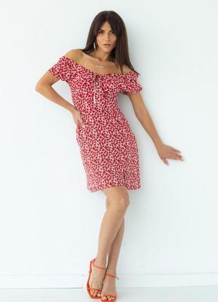 Женско платье мини с разрезом в цветочный принт