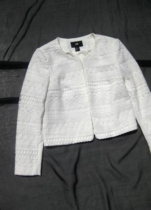 Красивый молочный ажурный нарядный пиджак h&m