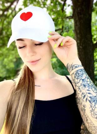 Женская кепка с принтом