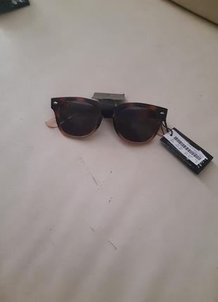 Крутые стильные очки
