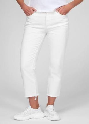 Белые укороченные джинсы 22 размер