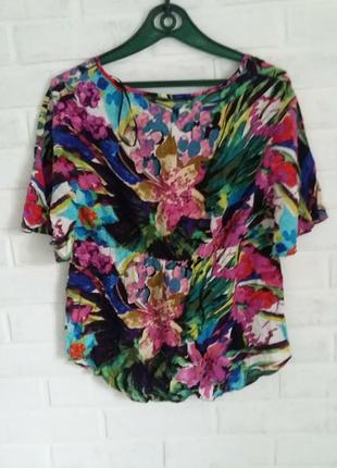 Стильная красивая блузка