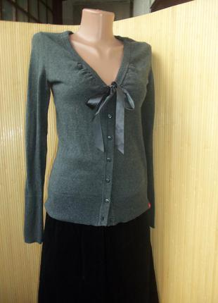 Трикотажная кофта вязанка с лентой