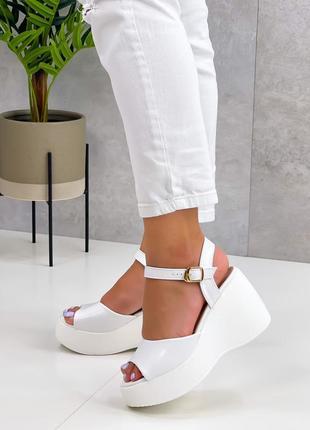 На танкетке каблуки босоножки боссоножки сандалии туфли на высокой платформе эко кожа белые