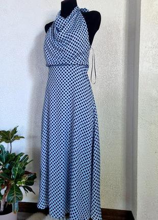 Ніжна та жіночна легенька сукня з відкритою спиною. zara