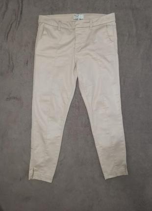 Очень красивые женские брюки штаны джинсы с напылением