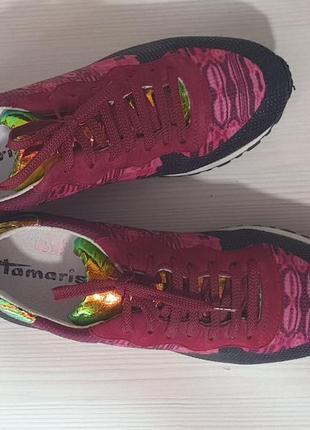 Жіночі кросівки tamaris