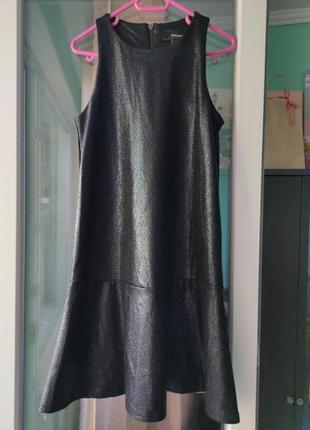 Черное миниплатье