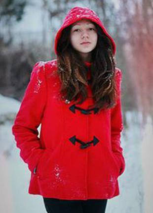 Красное пальто atmosphere