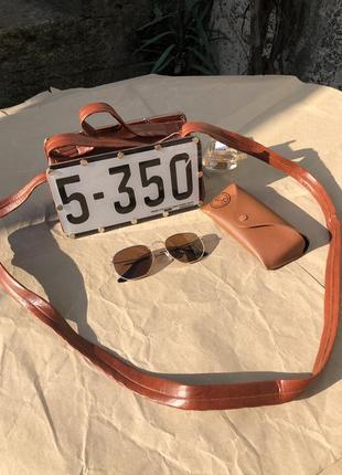 Актуальная неординарная коричневая сумка с автомобильными номерами other stories