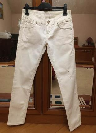 Новые джинсы со стразами