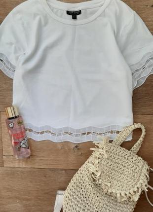 Белая футболка. стильный коттоновый топ