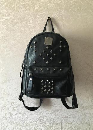 Рюкзак із закльопками