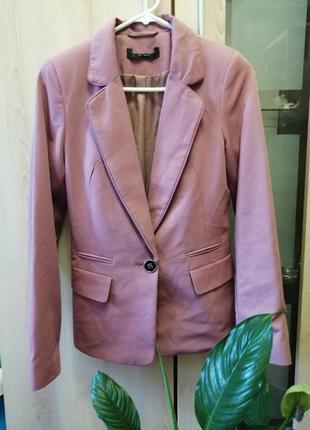 Розовый пиджачок в идеальном состоянии