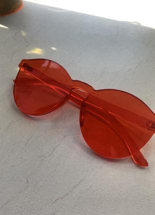 Солнцезащитные очки maybelline new york сплошная оправа красные