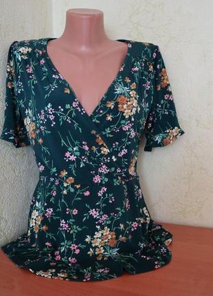 Актуальная блуза в цветочный принт