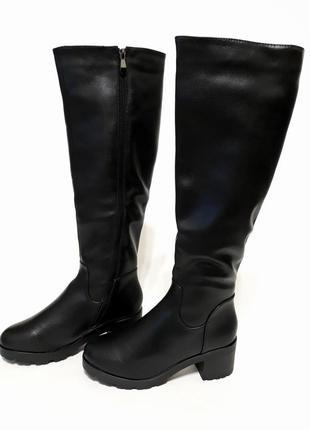 Зимние женские черный сапоги, материал - эко-кожа.
