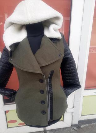 Продам элегантную зимнюю куртку 46 размера