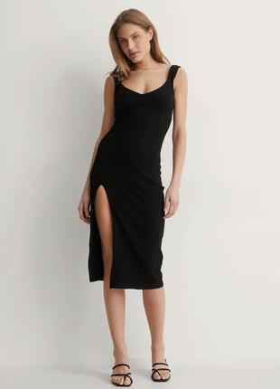 Чорна класична міді сукня
