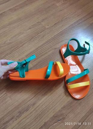 Босоножки сандали разноцветные на пляж резиновые силиконовые