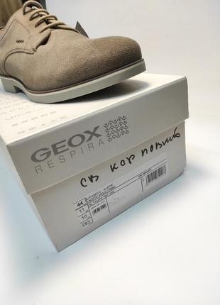 Туфлі замшеві geox коричневі нові класичні ділові офісні7 фото