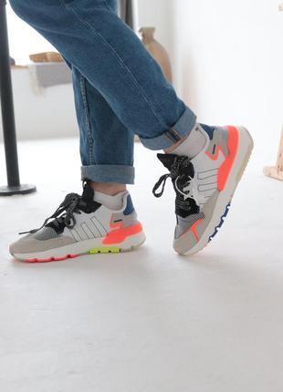Женские кроссовки 😍