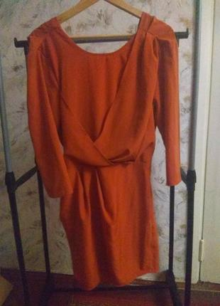 Платье с открытой спинкой asos