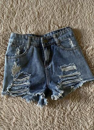 Шорты джинсовые рваные с потертостями