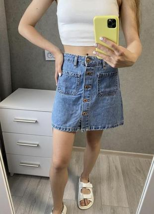 Трендовая джинсовая юбка синего цвета трапеция bershka zara