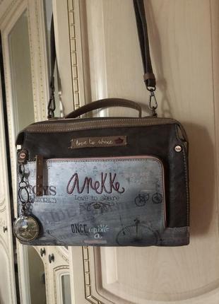 Милая невероятная сумка anekke, с вставками дерева и милейшим рисунком !