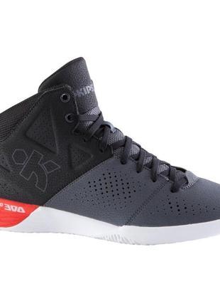 Баскетбольные кроссовки strong 300