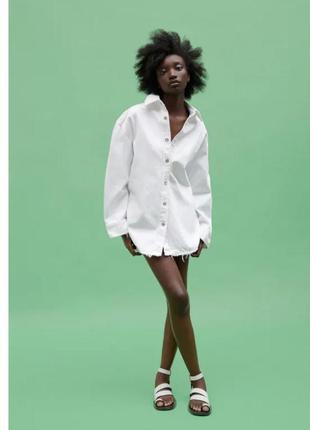 Джинсовая рубашка zara oversize белая порваная куртка джинсовка котонка