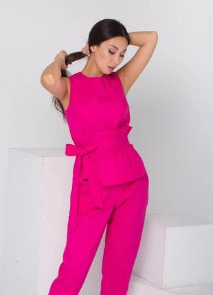 Костюм майка-топ с баской и брюки, комплеет малинового цвета, жіночий літній костюм з бакою