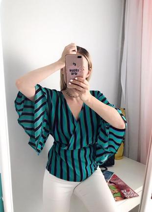 Крутая блузка в полоску на запах размер m-l