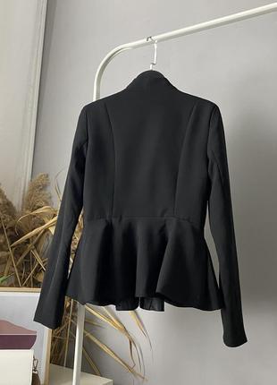 Оригинальный пиджак с баской missguided
