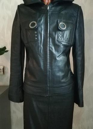 Эксклюзивная кожаная куртка roberto ferretti