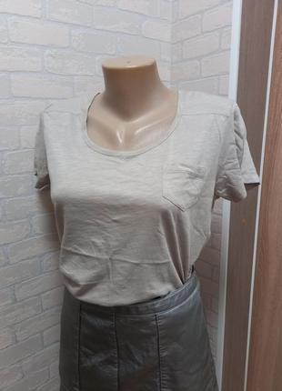 Новая футболка беж с карманом primark