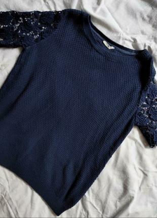 Кофта/светр с короткими кружевными рукавами
