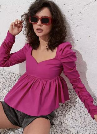 Стильная блуза с рукавами плиссе khaite