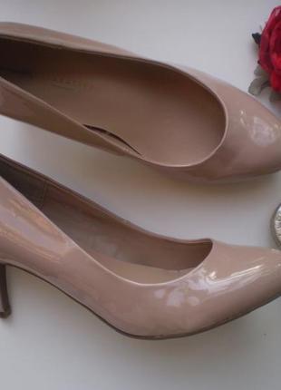 Туфли пудровые лакированные marks&spencer uk6 39р., широкие стопы, лодочки