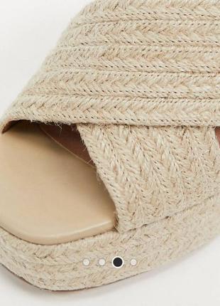 Трендовые бежевые коричневые мюли шлепанцы босоножки на устойчивом каблуке блок с джутовой отделкой asos zara new look boohoo reserved3 фото