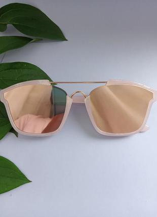 Очки. сонцезахисні окуляри. очечи. аксесуари жіночі.