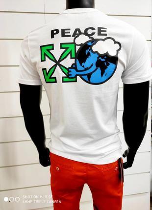 Отличная лёгкая мужская футболка