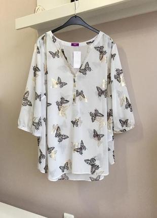 Легкая,шифоновая блуза в бабочках
