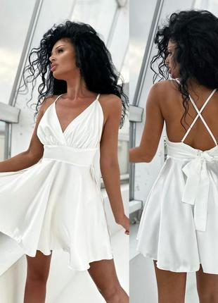 Женское летнее короткое платье с открытой спиной