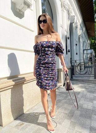 Трендовое платье в цветочек