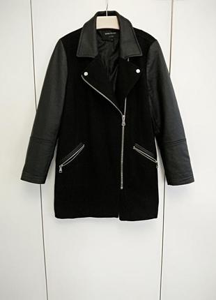 Стильное пальто с кожаными вставками river island 40-42